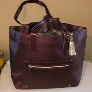 NWT! Bath and Body works mauve fashion tote!